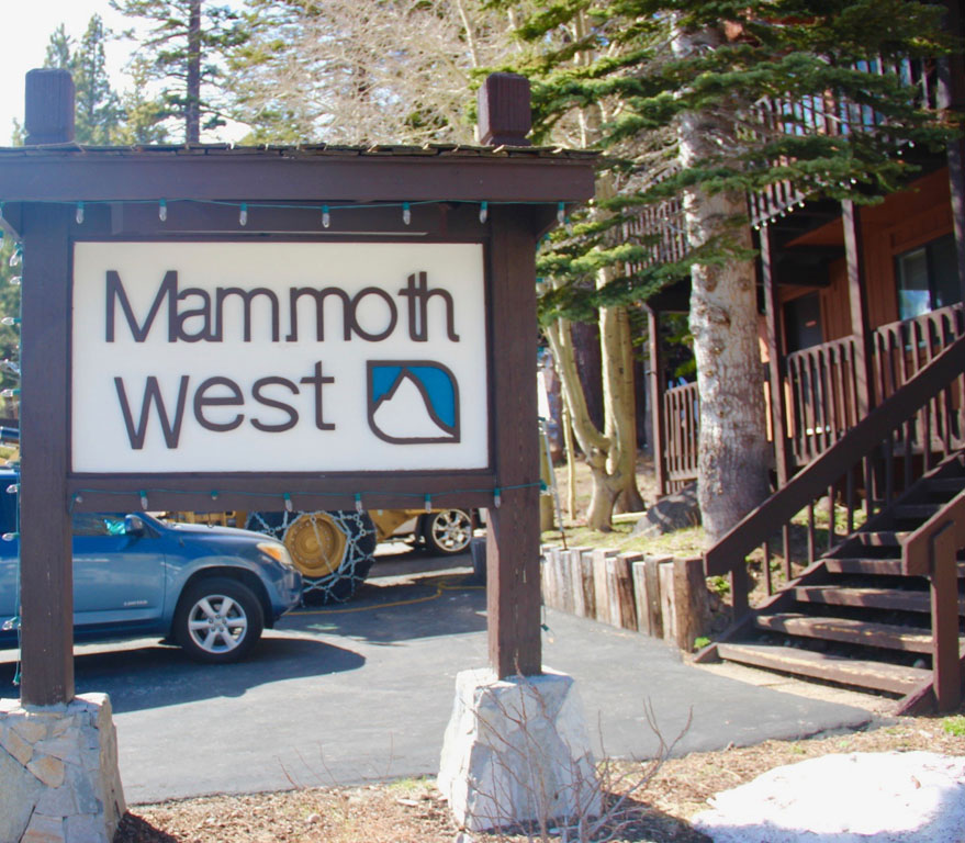 Mammoth West Complex Sign - Mammoth Lakes