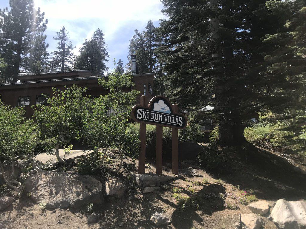 Ski Run Villas sign - Mammoth Lakes