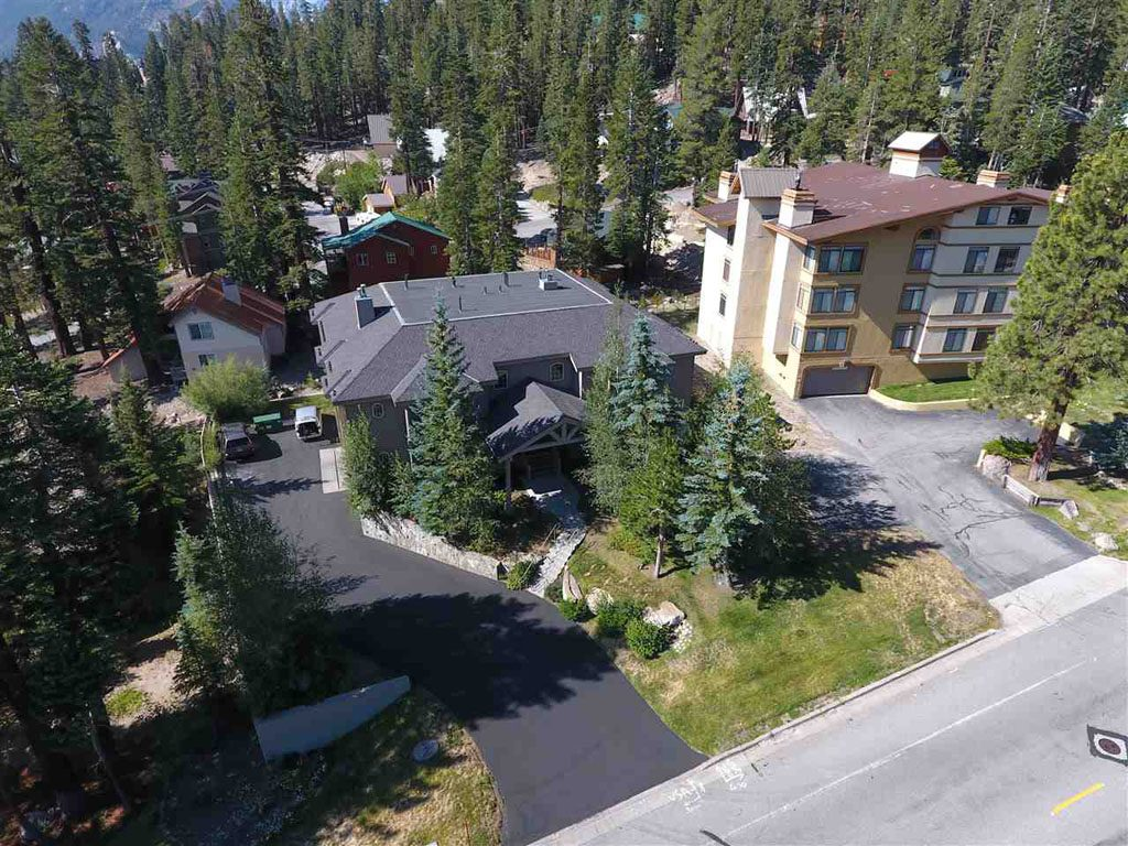 Sonenalp is a small complex - Mammoth Lakes, CA